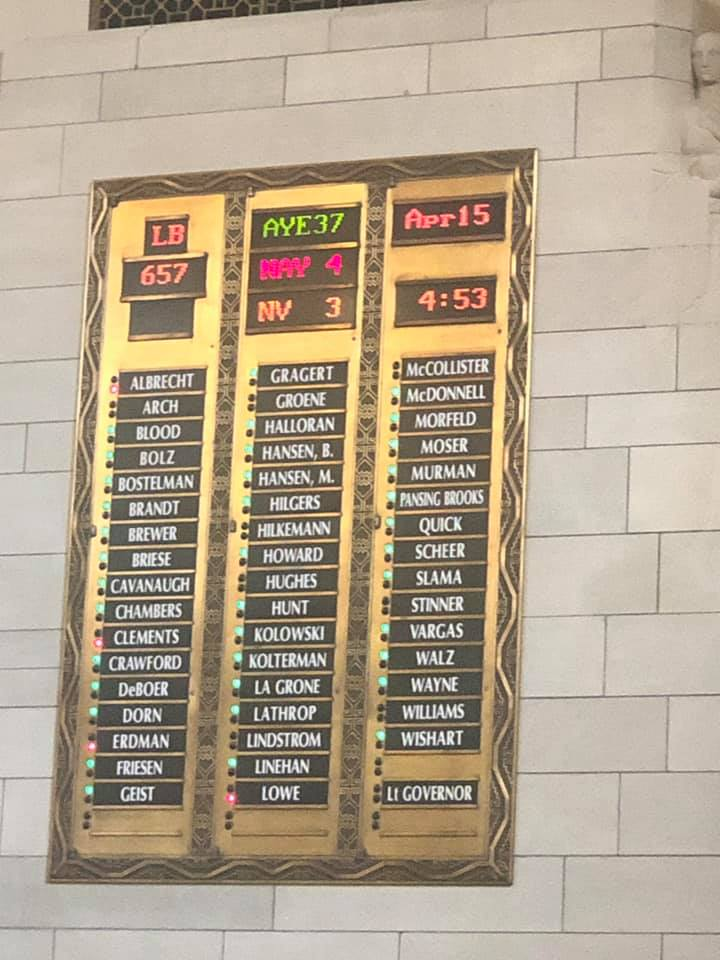37 Senators vote to advance LB 657 on to two more rounds debate.  Photo taken by Senator Anna Wishart.