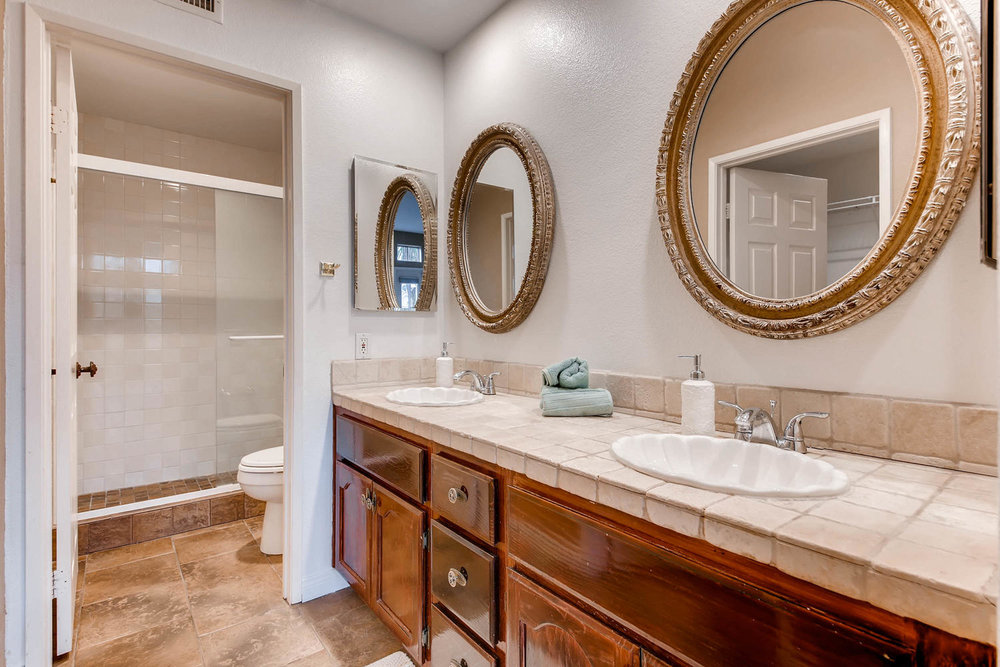 3555 Cameo Dr 64 Oceanside CA-large-023-30-Master Bathroom-1500x1000-72dpi.jpg
