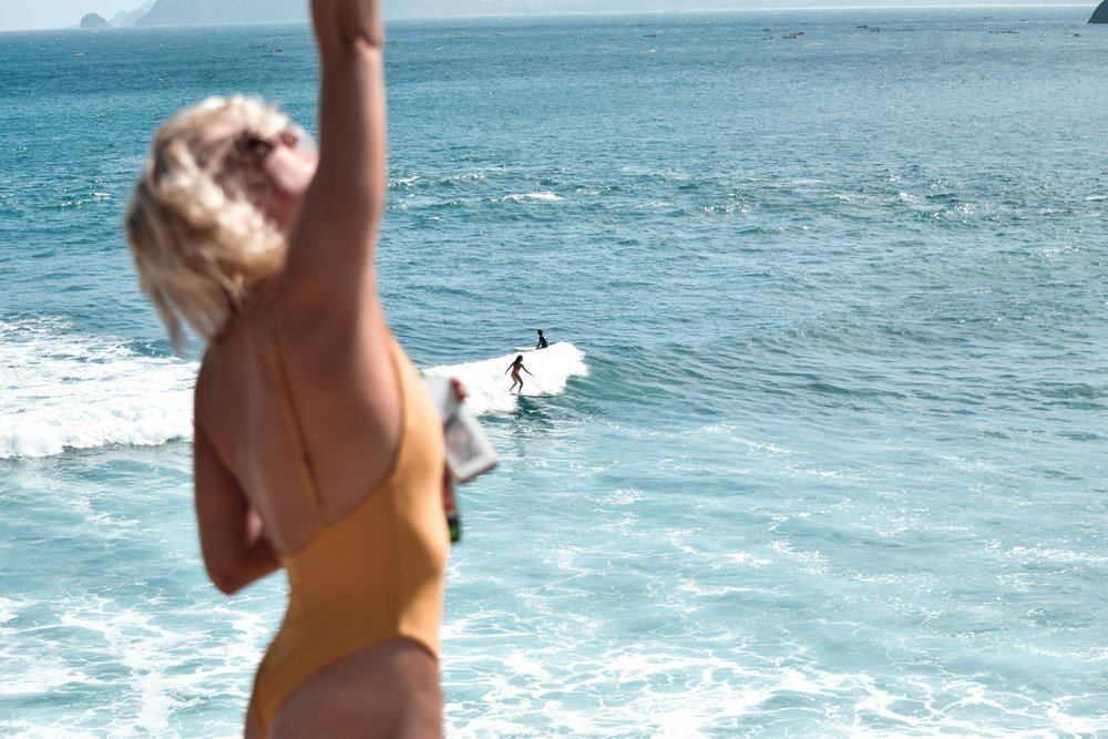 sea_hearts_surf_retreats