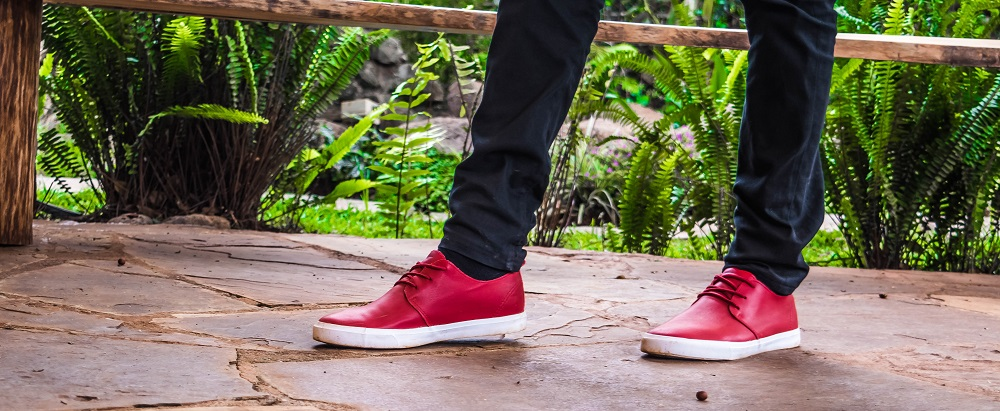 HINT OF RED | OOTD INSPIRATION | PLIMSOLLS