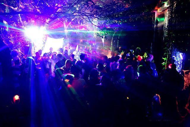 #deephouse #electronicmusic #festivalfashion #beats #ravepeople #progressivehouse #djs #ibiza #techhouse #bass #musicaeletronica #electro #art #dancemusic #musicproducer #raveparty #rave #bestmusic #happines #musiclover #musicismylife #musicfestival #asia #hongkong #undergroundmusic #secretparty #love #lovemusic #party #lifestyle