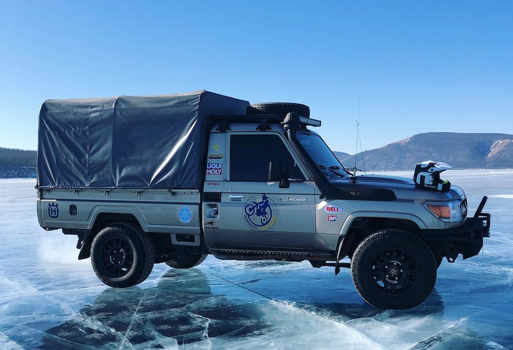 Support vehicle, Toyota Land Cruiser