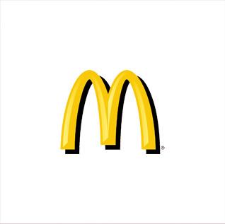 A vez do McDonald's - 1993 | A agência de Roberto Justus mais uma vez inova e cria parceria com uma produtora para atender à megaconta do McDonald's. Surge assim a Taterka/Fischer, Justus. Separadamente, a F, J continua a crescer e passa a atender a Toyota. O faturamento chega a US$ 104 milhões.