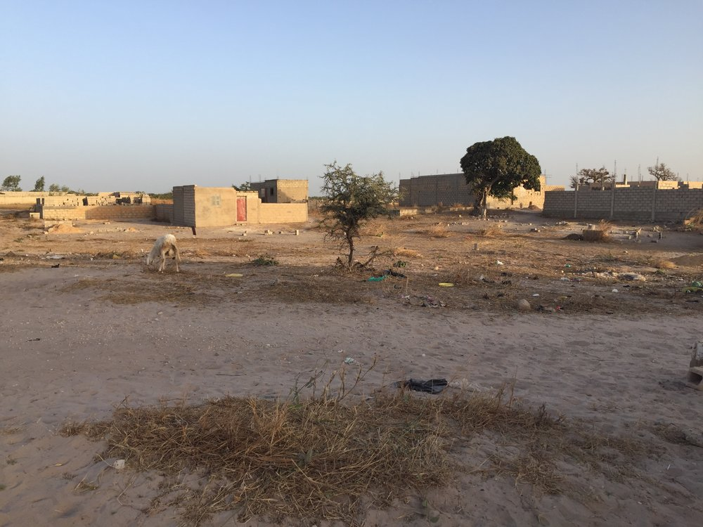 Darou Rahmane - LOCATION: Darou Rahmane, Tivaouane Peulcountry: SenegalREQUIREment: 6 Classroomstype: elementary schoolCONSTRUCTION: 2019MATERIALs: Sand