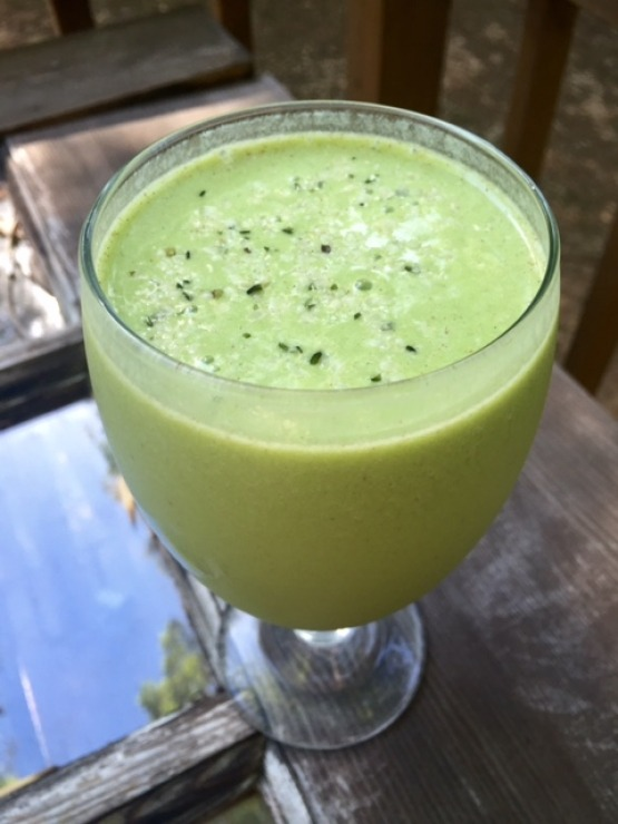 Green Breakfast Smoothie.png