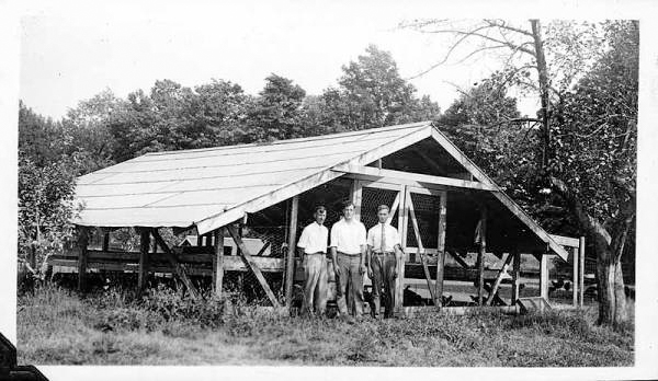 The Henhouse, 1932