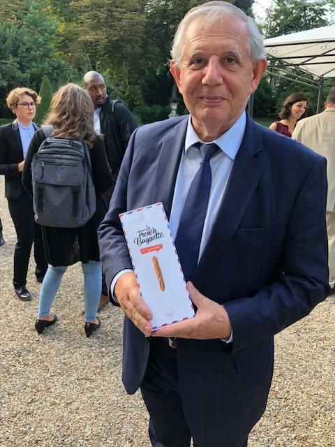 Quand Jacques Mézard ministre de la cohésion des territoires s'engage pour notre French Baguette