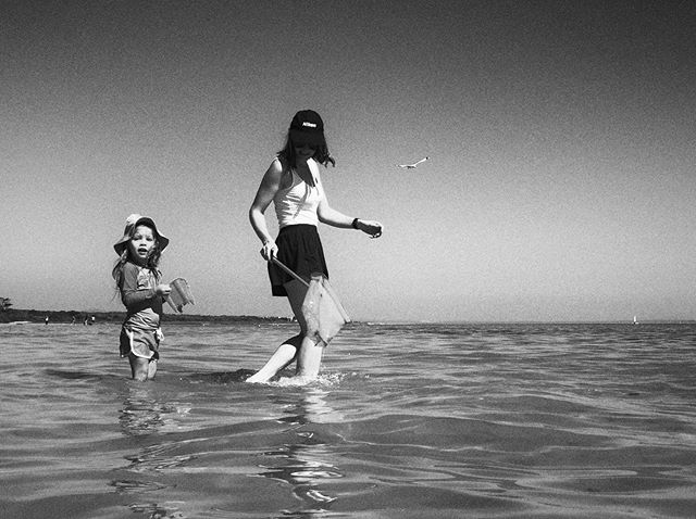 Quality time with family is the best. Caught some crabs, prawns and fishes with my niece. No animal was harmed in the process and is safely back in the sea. I made sure of it. ⠀ ⠀ #familytime #niece #nieceslove #familyiseverything #fishing #proudlynikon #nikonlady #monochromemagic #blackandwhiteart #sharkbay