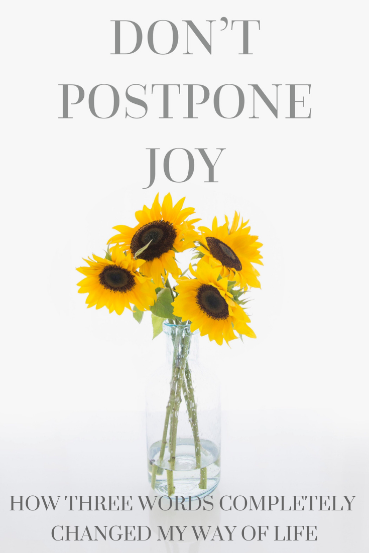 Photo Source: Oh Tilly Styled Stock Photography. Sunflowers, bouquet, mindfulness, quotes, inspirational quotes, optimism, how to be optimistic, how to be happier