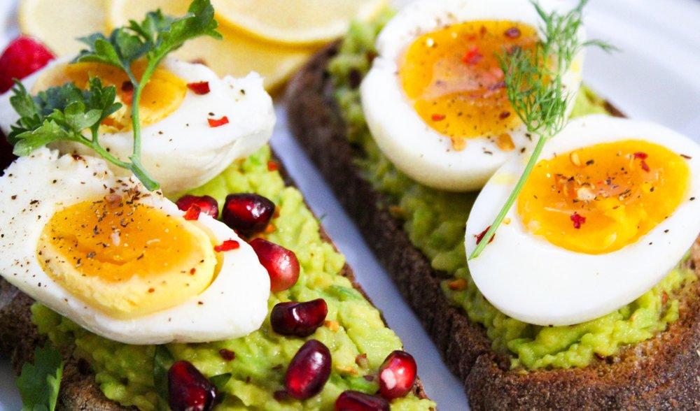 bread-breakfast-close-up-793785.jpg
