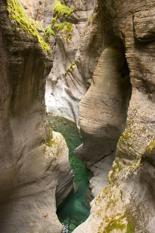 Maligne-Canyon-IMG_3467.jpg