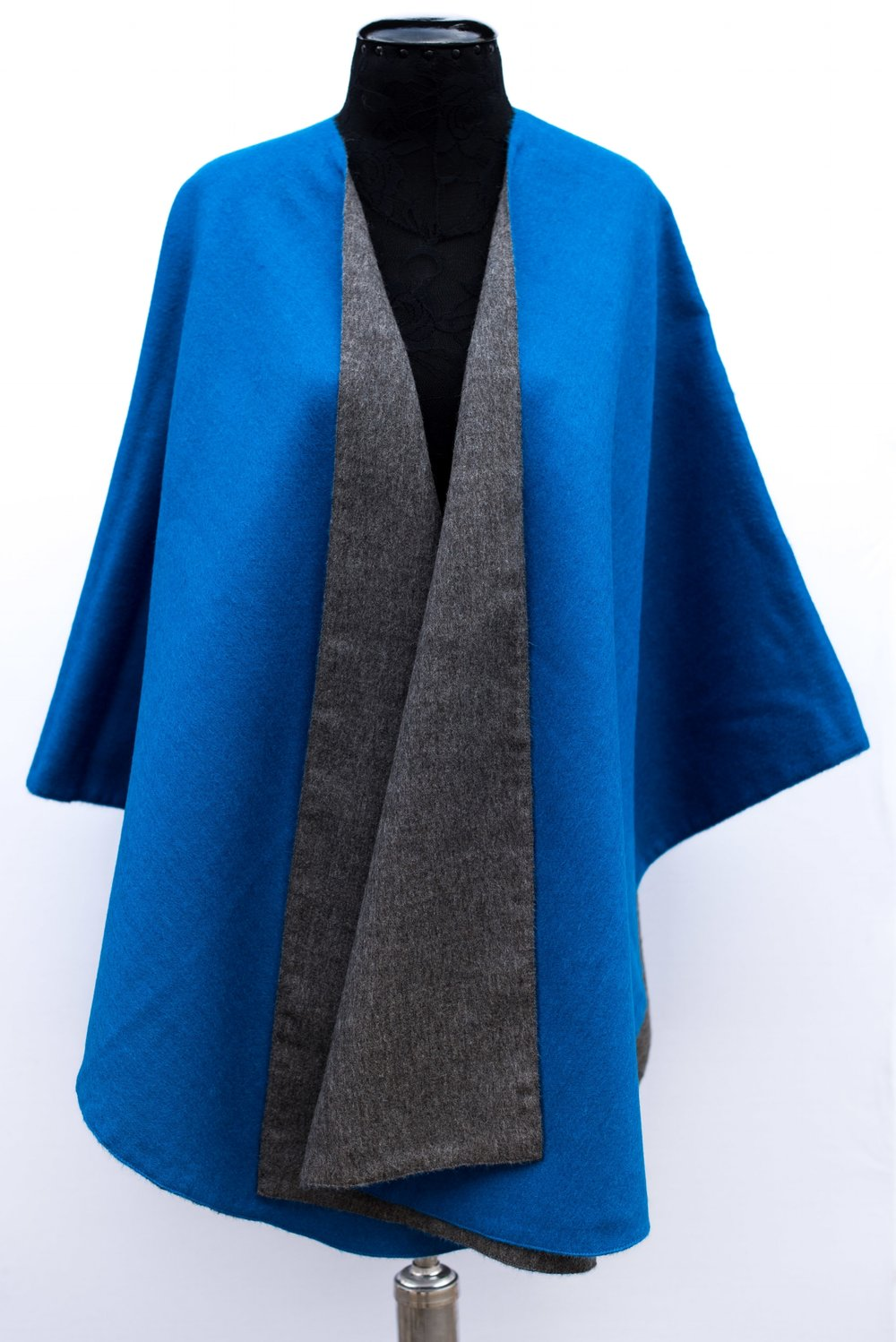 Double faced Solid/Solid cape -