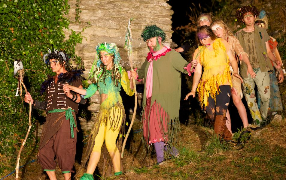 17 The Faerie Cohorts Arrive for the Play.JPG