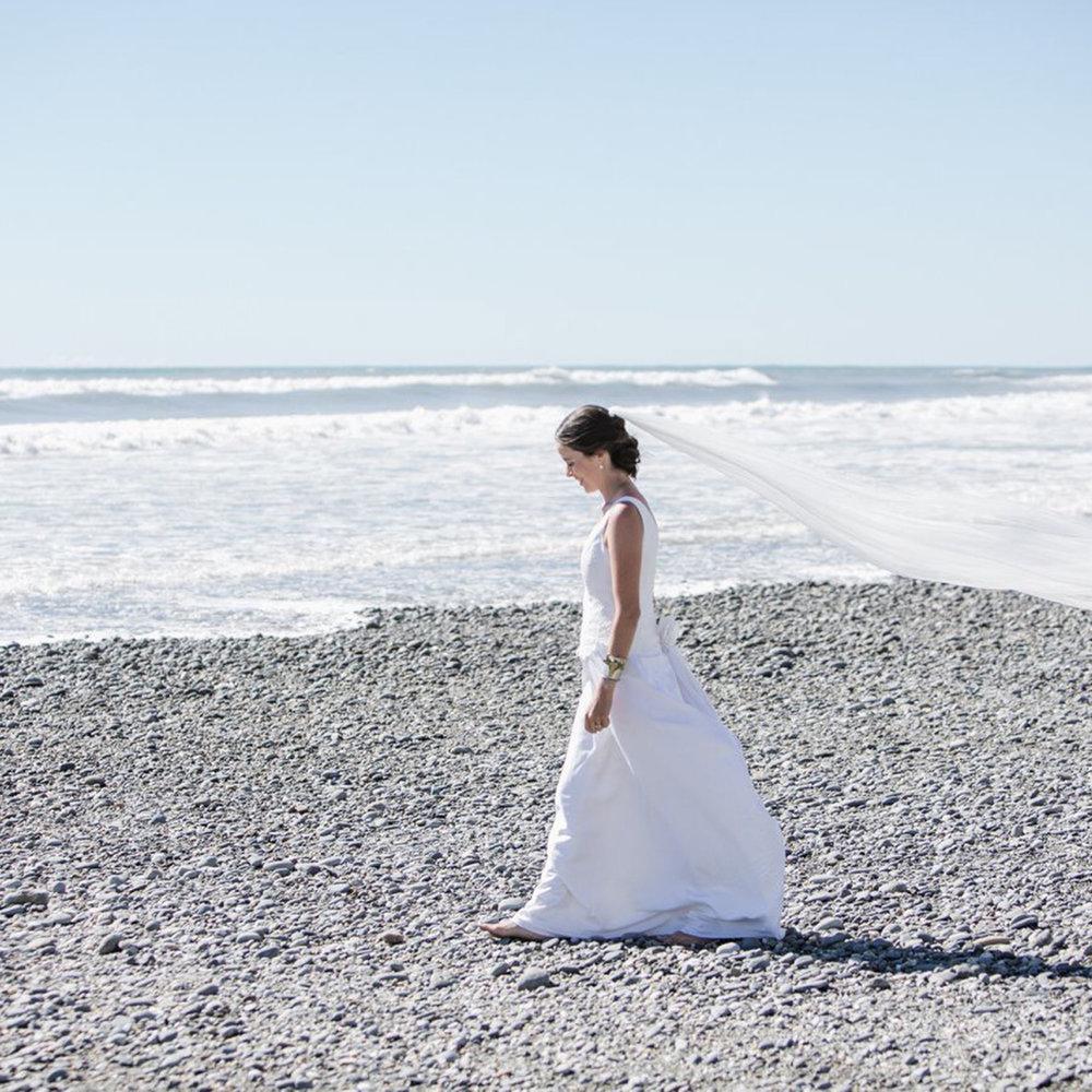 merino-textile-wedding-dress-2.jpg