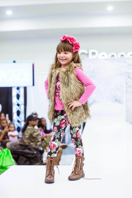 SouthBayPavilion_FashionShow02