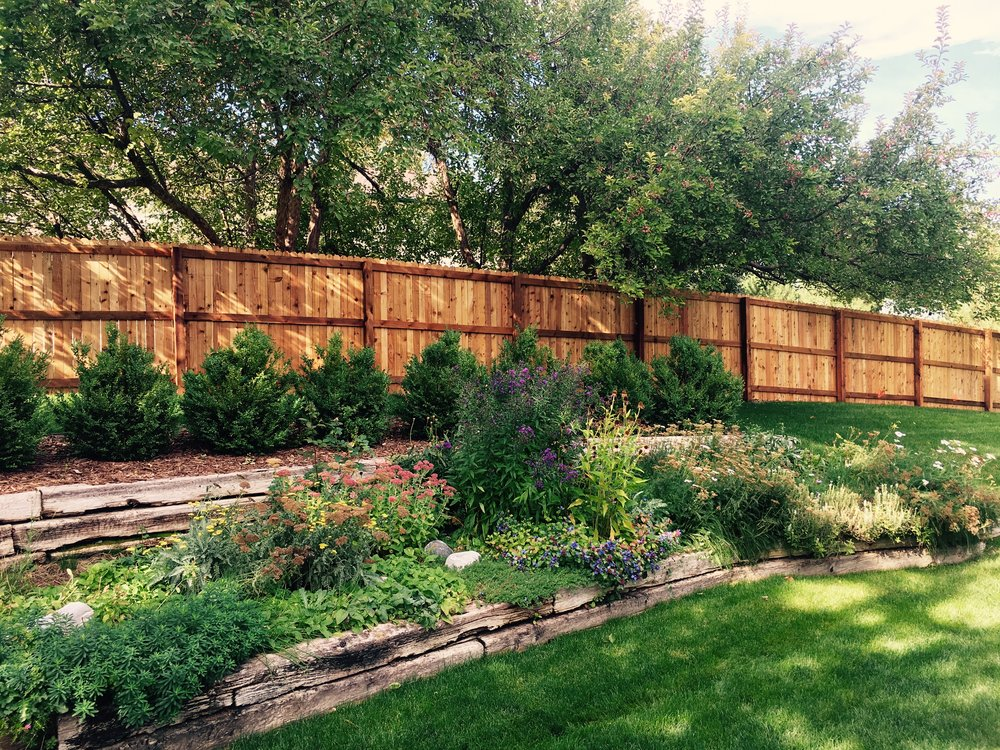 Vertical Privacy Fence - Price🌲🌲🌲Durability🌲🌲🌲Maintanence Costs🌲🌲Longevity🌲🌲🌲