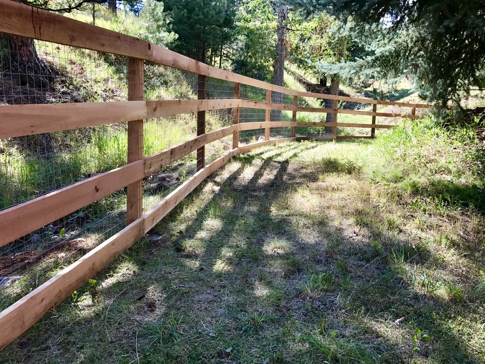4-rail with welded wire - 4x4 posts - 6'.jpg