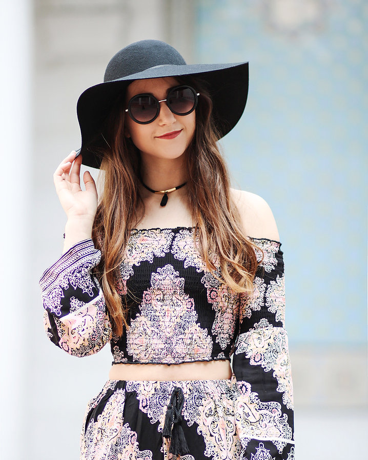 580862eba4c9190532160a20_Paisely Two Piece 1 .jpg