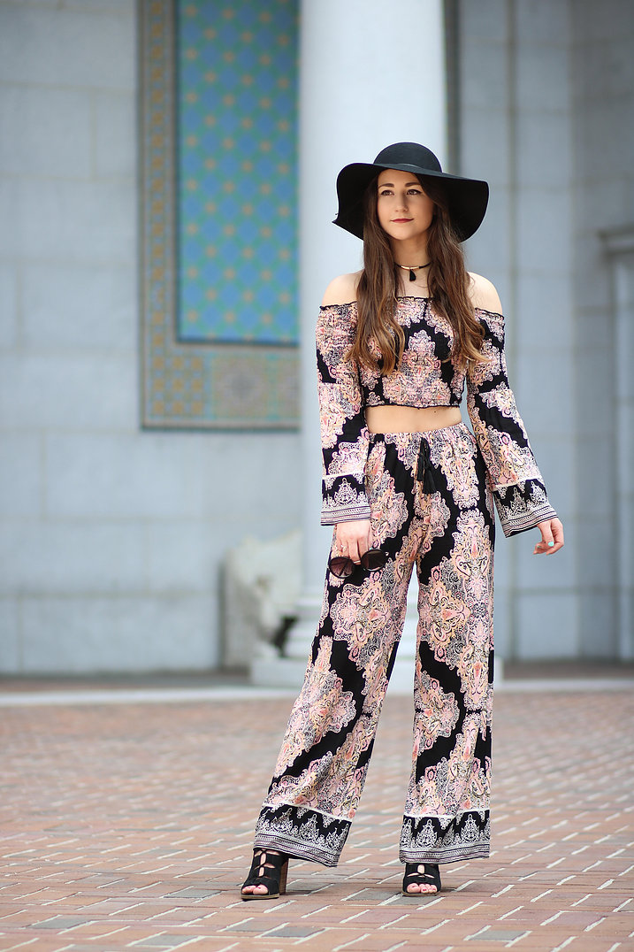 5808631fa4c9190532160a25_Paisely Two Piece 11.jpg