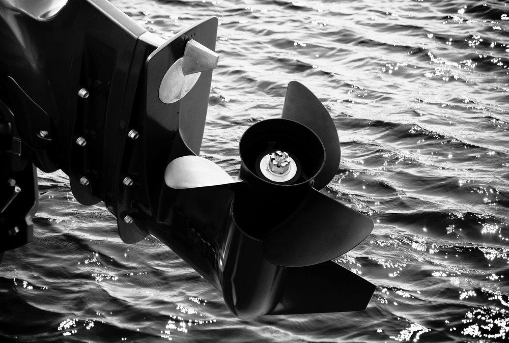 ....Våra utombordsmotorer..Our outboards.... - ....Vi erbjuder ett komplett sortiment från 2,5 - 60 hk och inom kort kommer ännu större motorer..We offer a complete range from 2.5 to 60 hp and soon even bigger engines will be available....