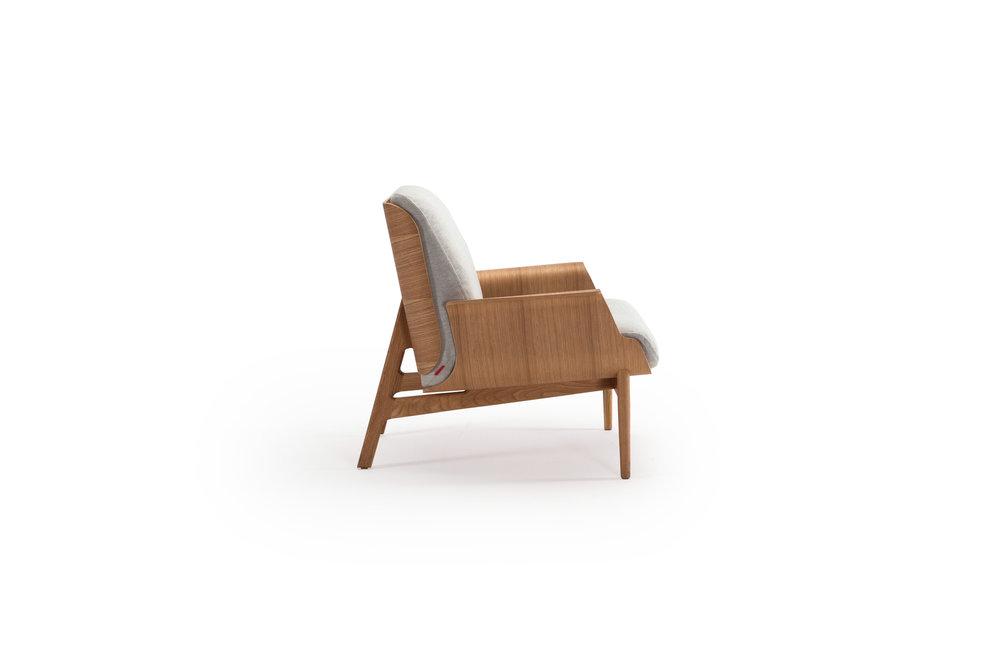 saga-chair-oliver-lukas-weisskrogh-3.jpg