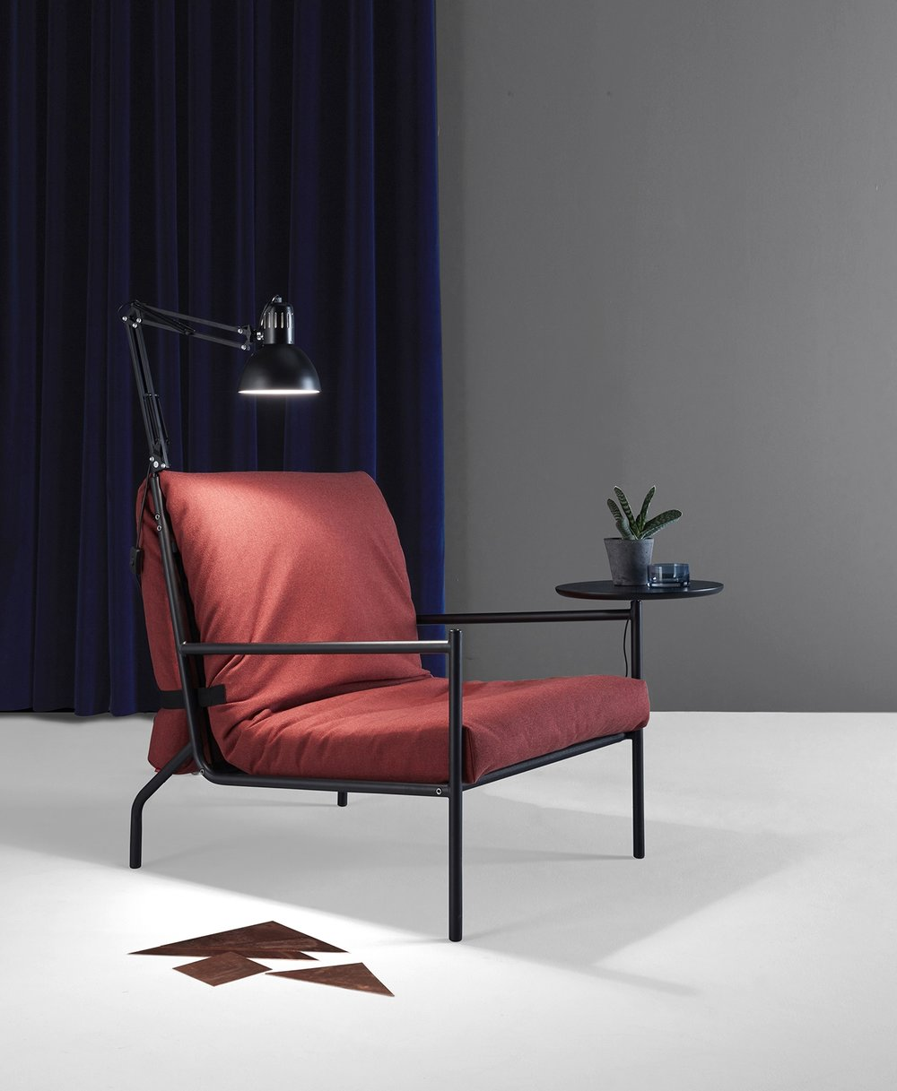 Noir  Chair Bed