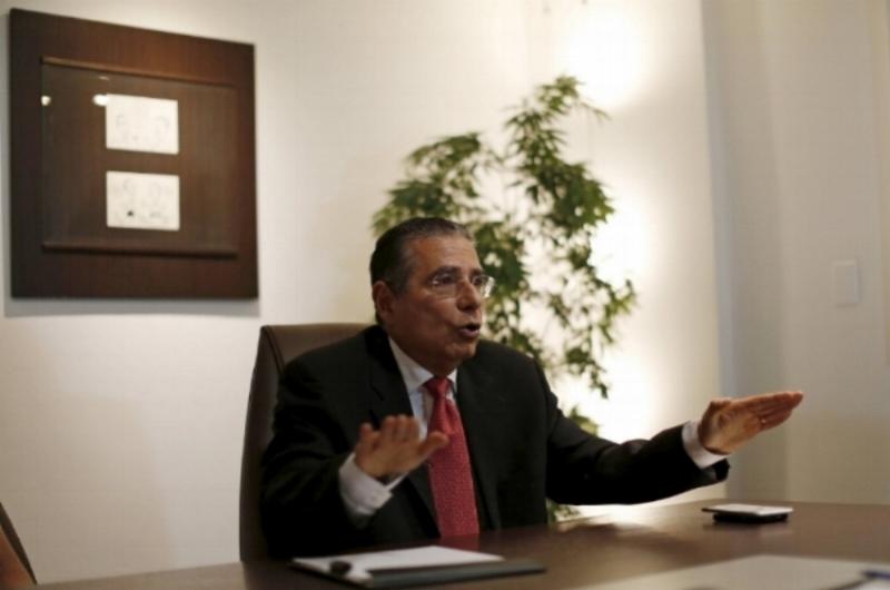 Ramon Fonseca, ustanovitelj odvetniške družbe Mossack Fonseca, med intervjujem v Panami aprila 2016. Foto: Carlos Jasso / Reuters