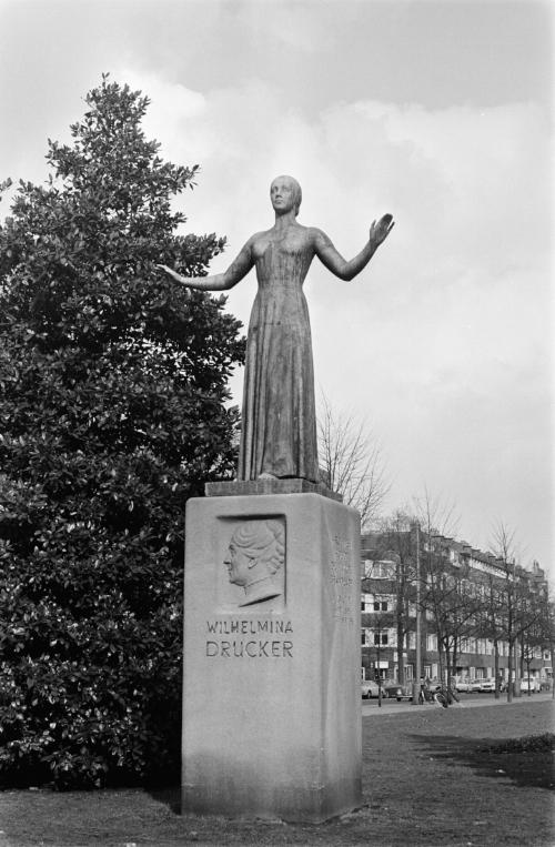 Standbeeld van Wilhelmina Drucker in Amsterdam (1970), Nationaal Archief.
