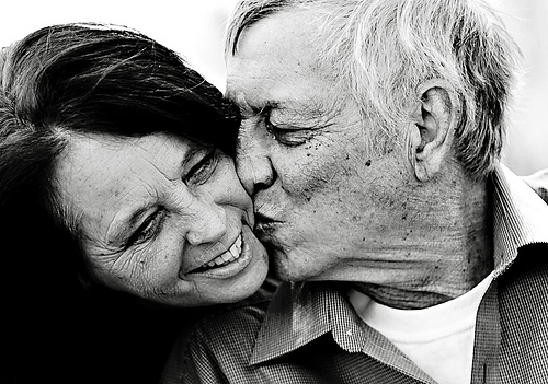 happy-older-couple-kissing.jpg