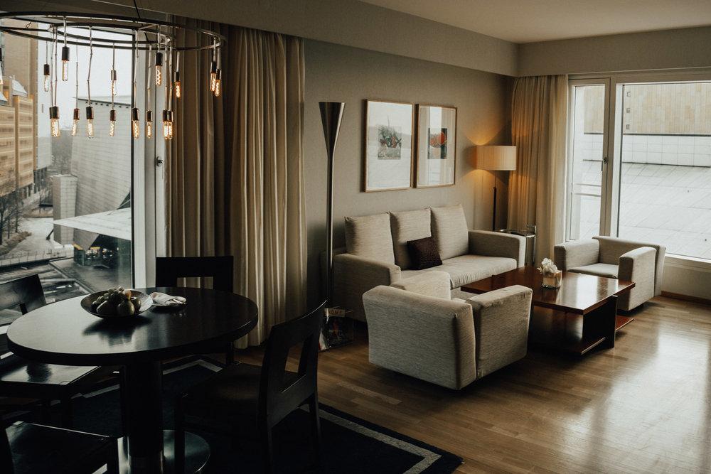 Sug-SeanxPaulaPotry-Hyatt-hotel-Berlin-21.jpg