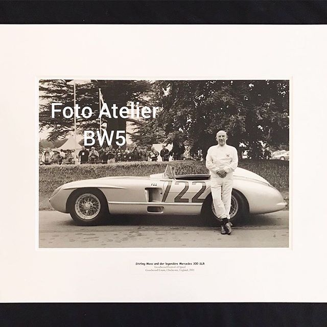 The famous @F1 #racing #driver #stirlingmoss / #sirstirlingmoss and the #legendary #Mercedes #300SLR #millemiglia #F1 #Formula1 . It's one of the beautiful pictures of Petra Pierrette Berger who's having an exhibition of stylish #classiccar and #racecar photos in @foto_atelier_bw5 in #Voorburg #Holland until 17th of February . 📷 #blackandwhite  #blackandwhitephotography #bandw 📷 #style #art #exhibition . 📷 #cars #alfaromeo #bmw #bugatti #citroen #ferrari #jaguar #mercedes #peugeot #renault . 📷 photos are for sale