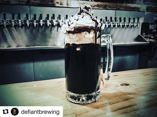 #Repost @defiantbrewing ・・・ Tonight!!! Solarvore Stout Beer Float & Rootbeer Floats at the taproom. A nice little special for the Friday night crowd during Rockland County Beer Week. Come and get em! #pearlriver #thinknydrinkny #craftbeer #defiantbrewery #defiant #icecream #rcbw #craft #beer #beerfloat #fridaynight #hudsonvalley #rockland