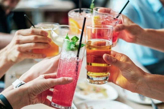 drinks-2578446_1920-777x437.jpg