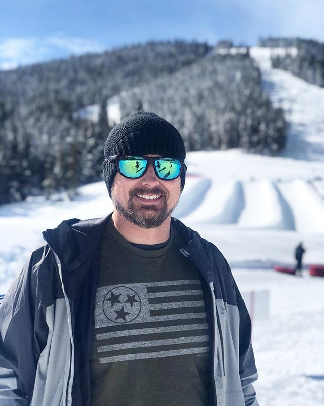 Showing some TN pride on the slopes in Colorado! 🏂 • • Big news! Colorado American Traditions shirt #comingsoon
