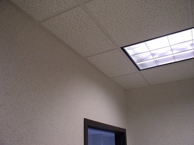 eliminator-track-ceiling-wall-juncture-product-details.jpg