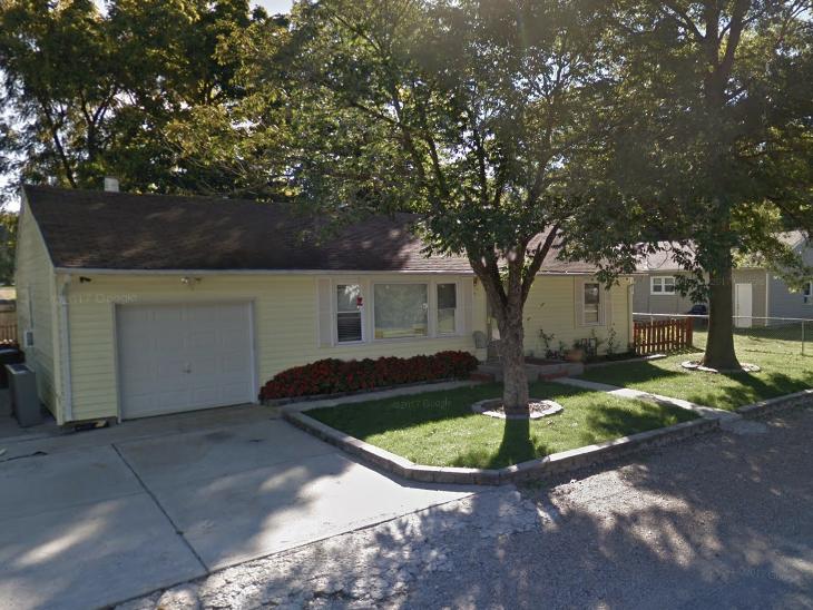 Address: 301 Prairie St, Buckner MO 64016  Starting bid: $38,000  Estimated Retail price after fix-up ARV: $89,900