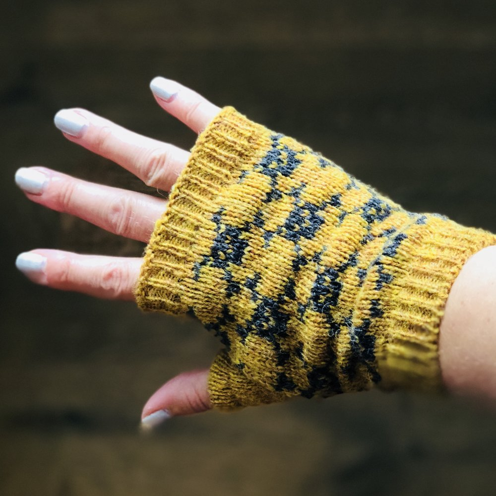 Fingerless mittens - a quick project on the knitting machine