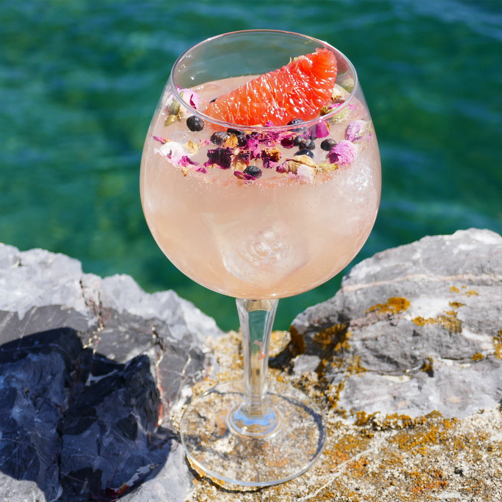 Sea Rose non-alcoholic gin cocktail with Sea Arch