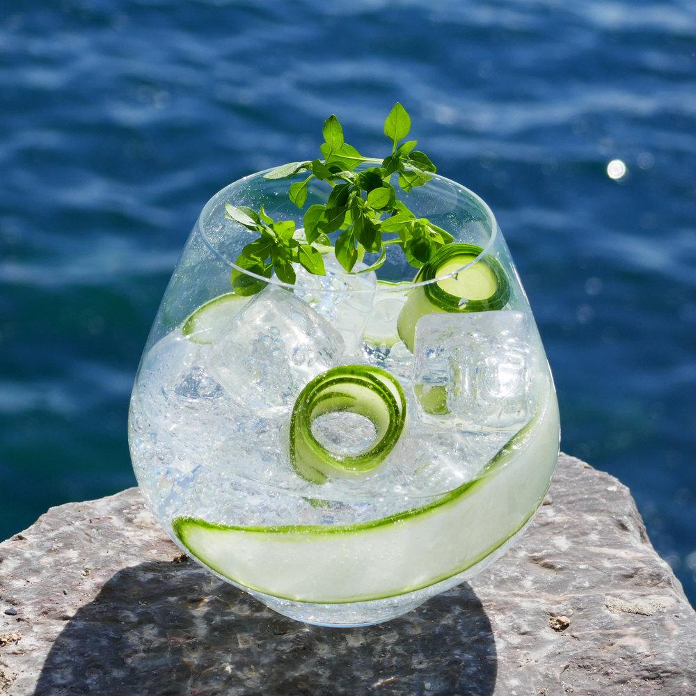 Sea Garden non-alcoholic gin cocktail with Sea Arch
