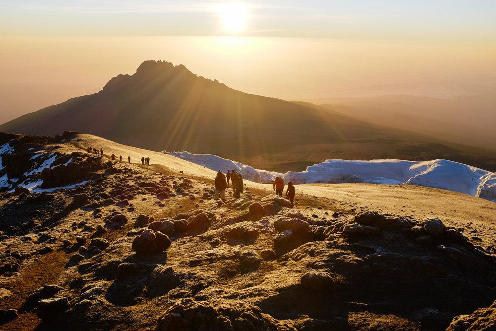 uhuru peak.jpeg