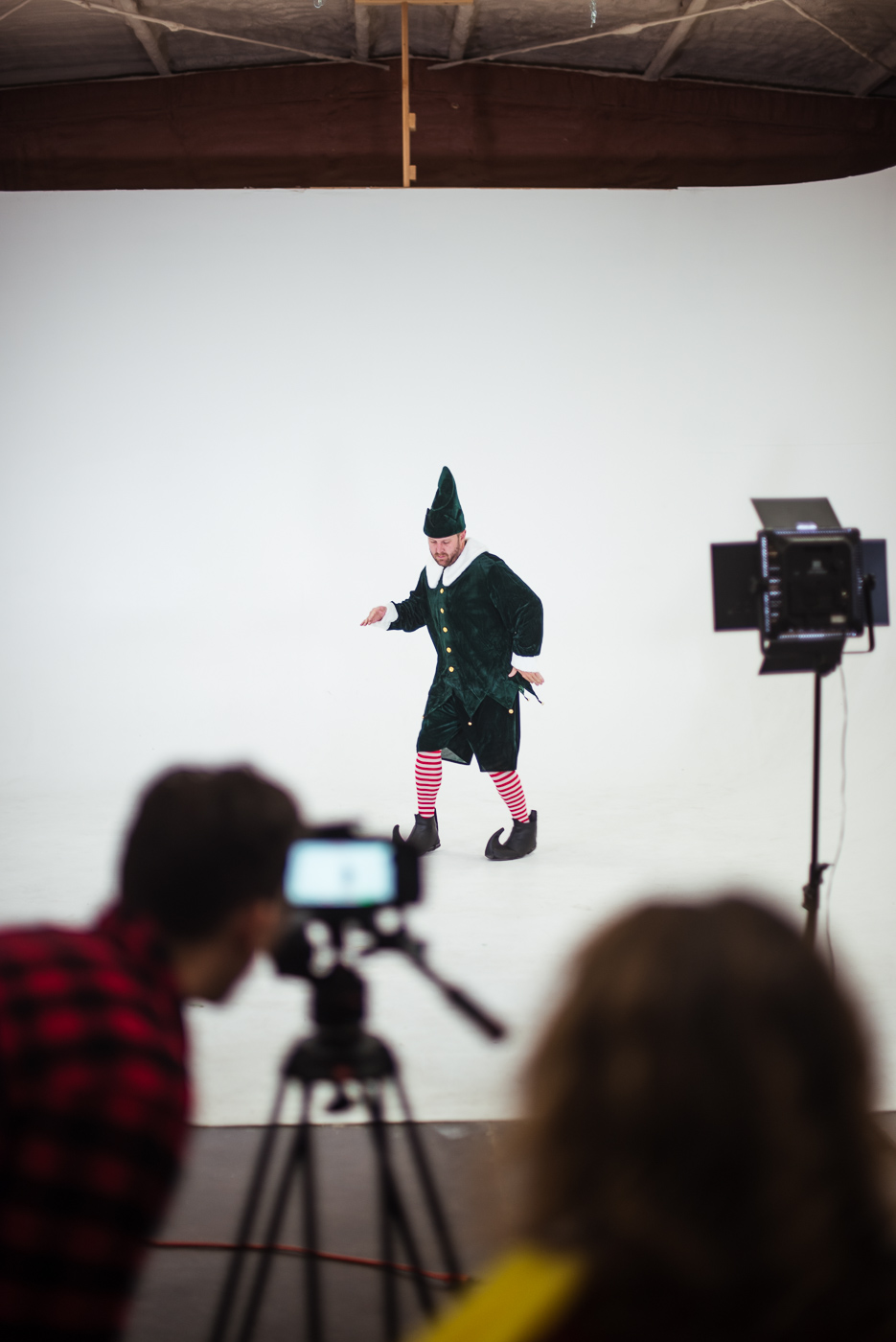 PHOCO Christmas Card The Articulate Photo Studio Cyclorama Infinity Wall Colorado Fort Collins Photographer Elf Yourself BTS-8.jpg