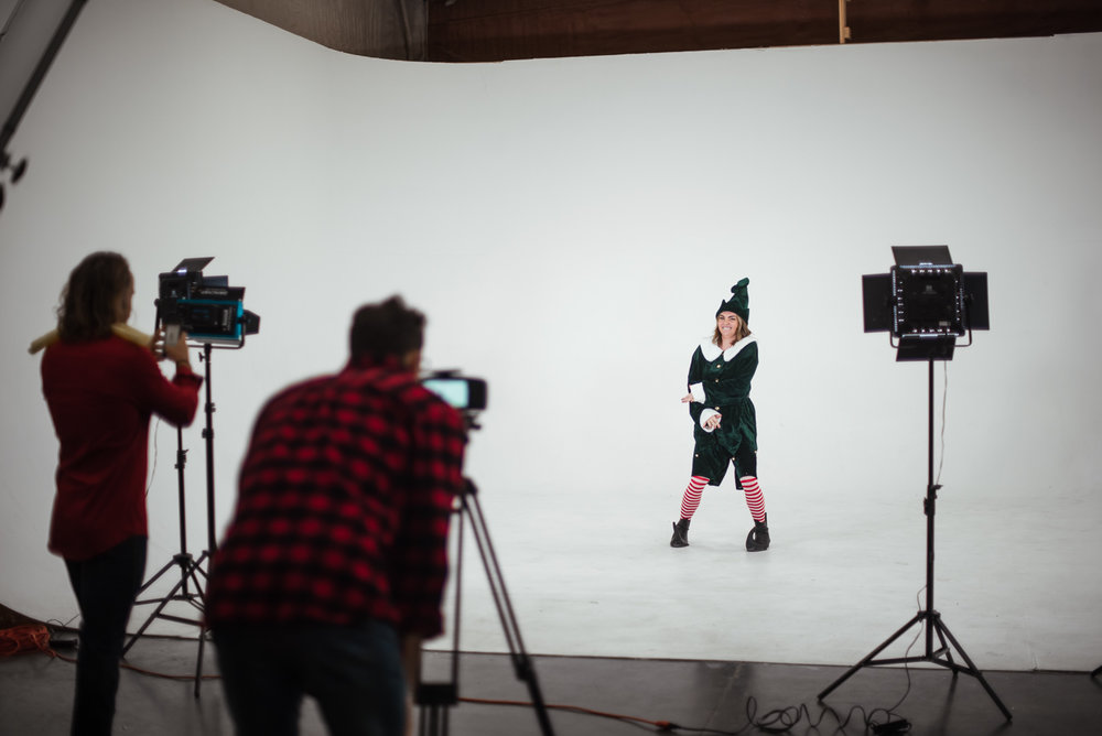 PHOCO Christmas Card The Articulate Photo Studio Cyclorama Infinity Wall Colorado Fort Collins Photographer Elf Yourself BTS-9.jpg