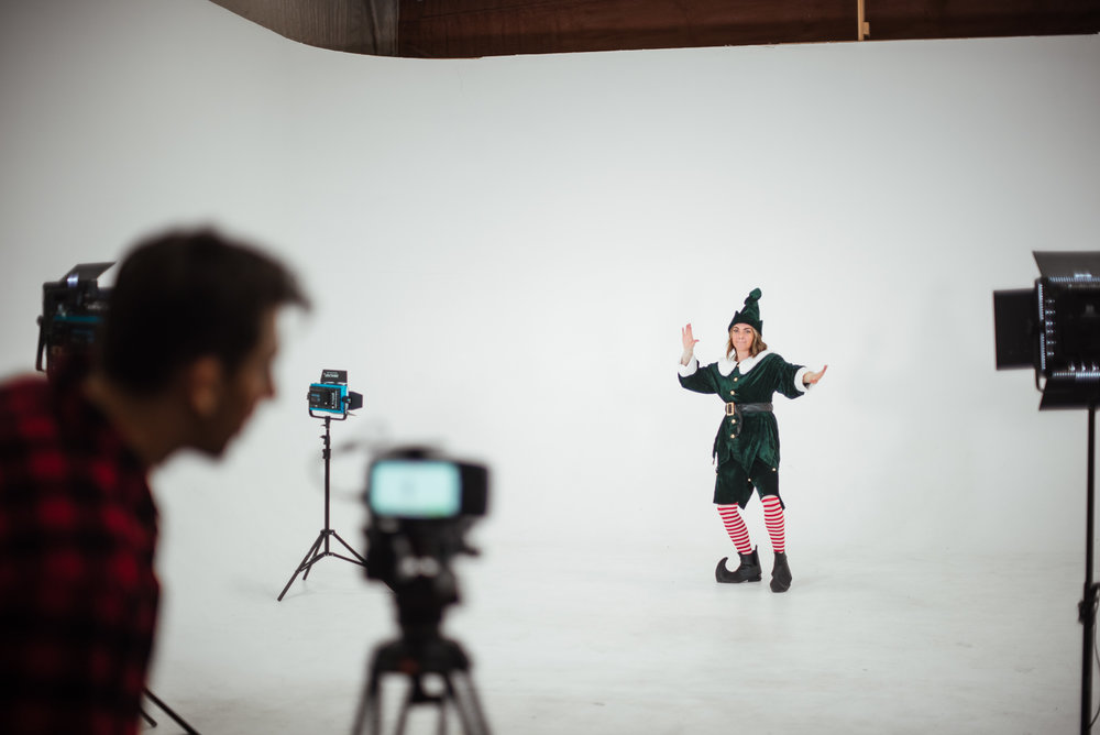 PHOCO Christmas Card The Articulate Photo Studio Cyclorama Infinity Wall Colorado Fort Collins Photographer Elf Yourself BTS-13.jpg