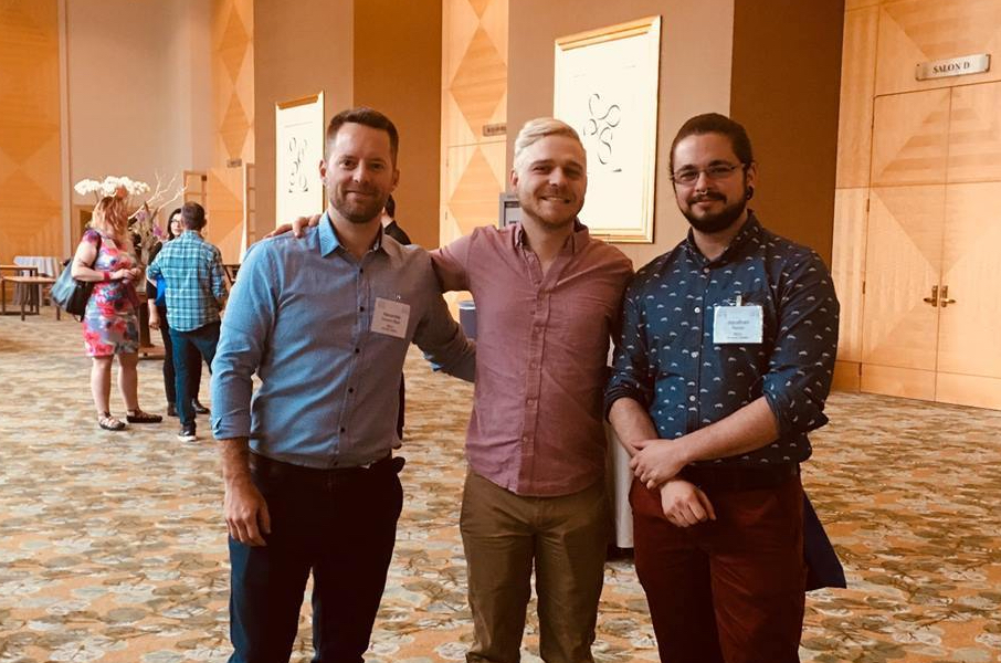 RÉZO's co-directors, Alexandre Dumont Blais and Frédérick Pronovost, with Jonathan Bacon, Intervention Development Coordinator, during CAHR 2018.