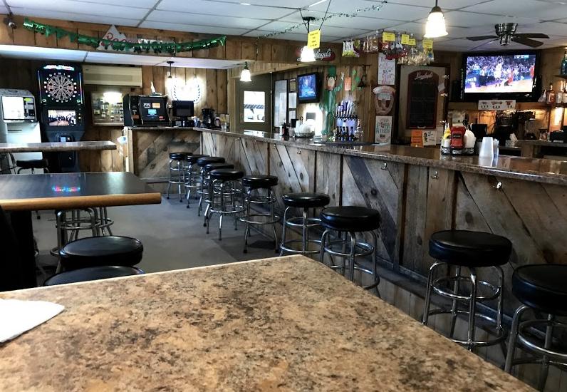 5. Hideaway Bar & Grill
