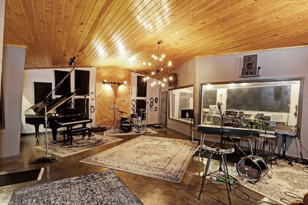 studio after-14.jpg