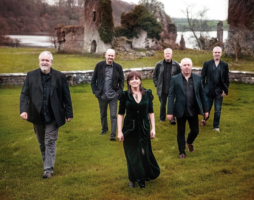 - Dervish have been bringing Irish traditional music to the world for more than 29 years.