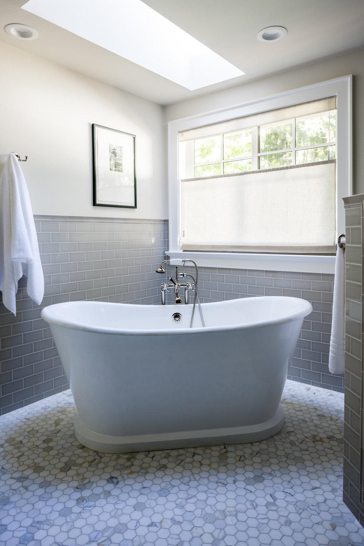 Kimberlee Marie ID- Bellevue Craftsman- Master Bath.jpg