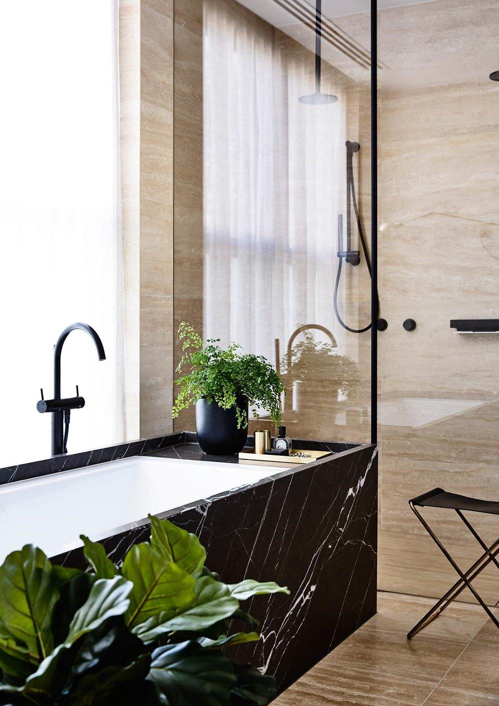 Black Marble Bathtub, Luxury bathroom, ensuite