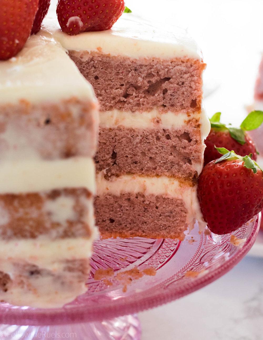 Strawberry-Cake-25.jpg